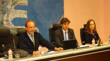 Renfe Mercancías se compromete a dar un mejor servicio ferroviario al Puerto de Santander