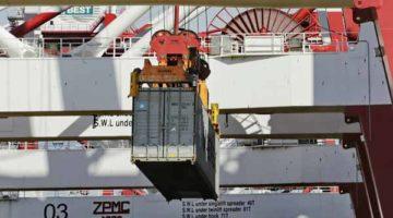 El Port de Barcelona aumenta un 27% el tráfico de contenedores hasta mayo