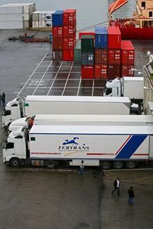 monografico_camiones puerto
