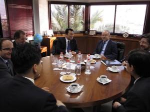 G. S. Choi y Manuel Morón durante el encuentro
