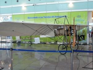 Réplica del aeroplano Blériot XI que realizó el primer vuelo completo en España hace 100 años