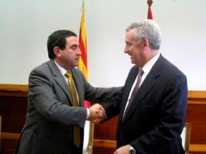 Alfonso Vicente Barra, Presidente de PLAZA, y Jorge del Castillo, Director General de Clasa en la firma del convenio