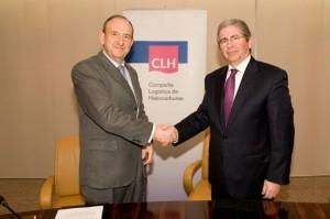 El presidente ejecutivo del Grupo CLH, José Luis López de Silanes, y el consejero delegado de Indra, Regino Moranchel