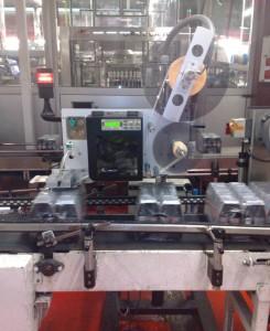 Se instalaron cinco sistemas de etiquetado que aseguran una producción continuada 24 horas al día en la fábrica