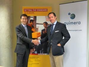 Miguel Borrás (izda.), Director del Área Este DHL Express, y Javier de Rocafort (dcha.), Presidente de Quimera Project