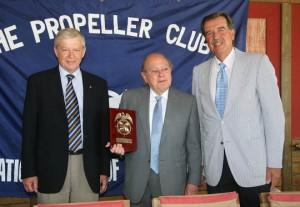Jordi Pujol junto a Pedro Maqueda, presidente del Propeller (derecha) y Reinhard Sawatzki, vicepresidente