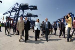 José Blanco en TTIA acompañado por el Consejero de Gobernación y Justicia de la Junta de Andalucía, Luis Pizarro, la Consejera de Obras Públicas de la Junta de Andalucía, Rosa Aguilar, y el presidente de la Autoridad Portuaria de la Bahía de Algeciras, Manuel Morón