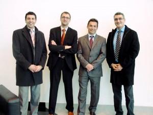 De izquierda a derecha: Santiago Cabaleiro, Coordinador General de Visual Trans; Cecilio Labrada, Coordiandor Comercia Visual Trans; Francisco Núñez, gerente de Cedasa; y José Antonio Vilán Coordinador Dpto. Proyectos Visual Trans
