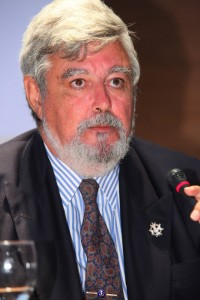 Fernando Cascales, Abogado y Académico