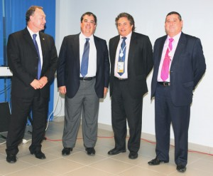 De izquierda a derecha: Emilio Benavent, director general de TMS, Francisco J. Oviedo, director de Puertos de OHL Concesiones, Enric Ticó y Eugenio López
