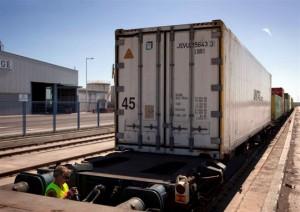 El convoy de Renfe posicionado en la nueva terminal de mercancías