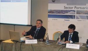 Jordi Valls durante su intervención en la jornada sobre el sector portuario