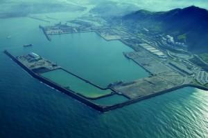 Puerto de Bilbao, dársena de la ampliación (dic. 2009)