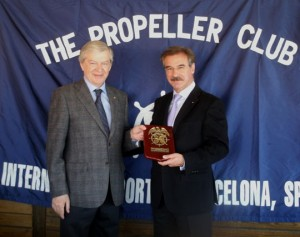 Juan Ramón Rodríguez y Reinhard Sawatzki, vicepresidente del Propeller Club de Barcelona