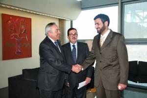 Mane Royes y Tawfig Alrabiah, acompañado por JoséLuis Rodríguez (Fotografía: Juanjo Martínez)