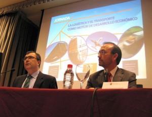 Los consejeros José Ballesta y Salvador Marín durante la presentación de la 'Estrategia de Transporte y Logística de la Región de Murcia'