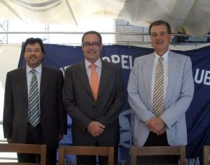 Pere Macias junto a Pedro Maqueda, presidente del Propeller Club de Barcelona, e Isidre Gavín, director general de Cimalsa