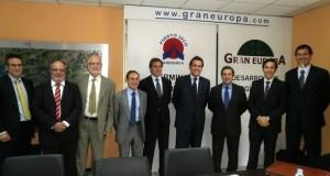 Sixte Cambra y José Maria Alaña junto a otros representantes del consejo