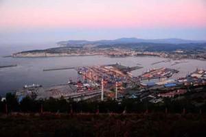 muelles comerciales puerto de Bilbao
