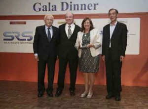 Mariano Fernández, Presidente ATEIA-OLTRA Barcelona, David Yokeum, Presidente WCA, Rosa Puig, Directora Comercial APB, Liu Xuede, Secretario General CIFA