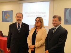 Agents duanes_OEA_David Soler, Anna Figueras i Antonio Llobet