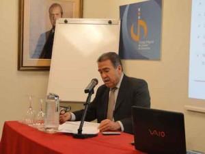 Francesc González durante su conferencia