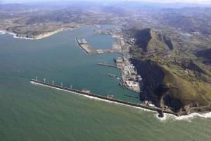puerto bilbao vista desde zona industrial