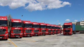 Autolica Industriales comercializa 20 tractoras Euro 6 y un megatrailer de Mercedes-Benz a REM Transports