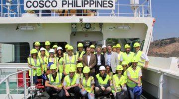 Primera escala en Barcelona del 'COSCO Philippines'